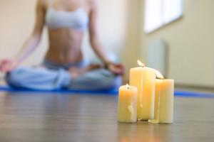 Candlelit-Yoga-final